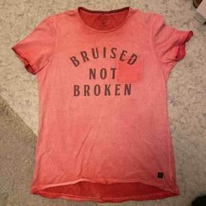 Snygg ny blend t-shirt Man /// nypris 399kr Endast provad. Frakt vid spårbart 63kr. Välkomna