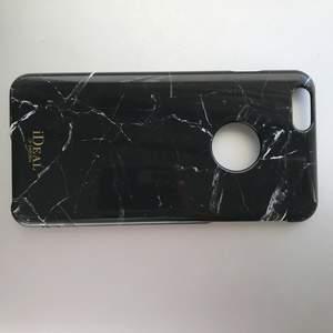 Ideal of sweden iPhone 6 Plus skal. Lite kantstött men inget man tänker på. Frakt inkluderat i priset. Nypris 300kr.