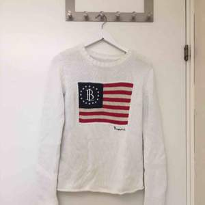 Säljer nu min fina stickade tröja i märket Bondelid. Den har aldrig kommit till användning. Storlek: XS. Men passar även en S. Jättefint skick. Köpt för: 799 kr. Säljer för: 130 kr. Möts i Jönköping!