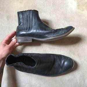 Väl använda och trogna boots från Vagabond som nu behöver en ny ägare.