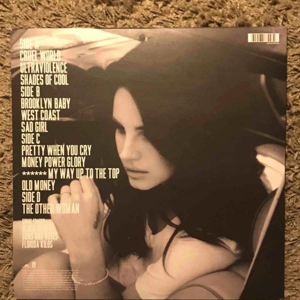 Lana Del Rey - Ultraviolence vinylskiva med båda skivorna. Möts upp i stockholm. Övrigt.