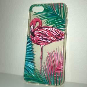 Ett genomskinligt iPhone skal med en flamingo på. Inte avmvänd så många ggr. Funkar på iPhone 6 och 6s frakt +20kr