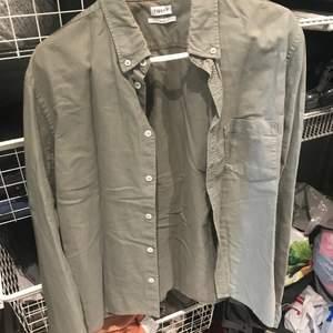 Skjorta från Filippa K storlek S grön