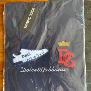 Helt ny Dolce & Gabbana t-shirt för killar Storlek: M men funkar S också — Kopia
