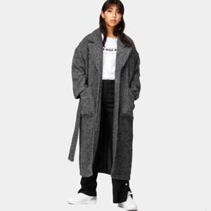 SÖKES!  Dr Denim Gigi coat.