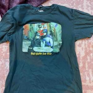 T-shirt med tryck från Bershka i storlek XS! Du står för frakten 💖💖