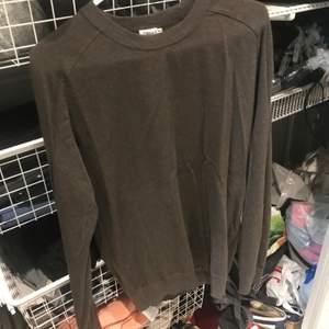 Grön/brun merino tröja från Filippa k i storlek XS men mer som en S
