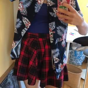 cool kjol!!! Från hm, säljs inte mer. Funkar till alla möjliga stilar!!💜💕💥