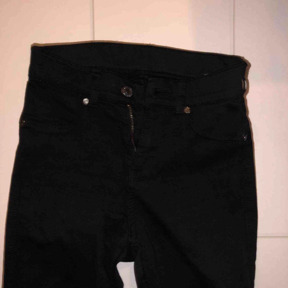 Nya helt oanvända jeans från dr denim. Jeans & Byxor.