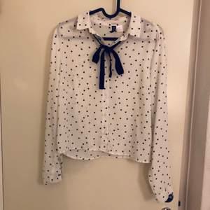 Superfin skjorta i bra skick! Köparen betalar frakten :) kan samfrakta!