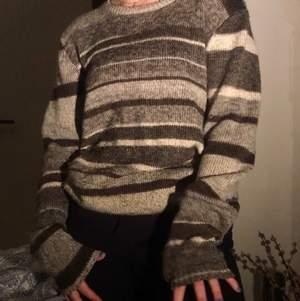 Supermysig stickad tröja från bläck som är perfekt för vintern ❤️