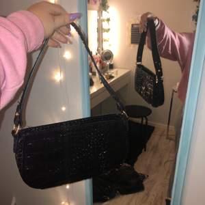 Superfint skick, säljes pga har flera svarta väskor och denna kommer inte till användning