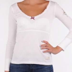 Jätte söt tröja/blus ifrån Odd Molly i strl 1 vilket motsvarar XS / S , knappt använd
