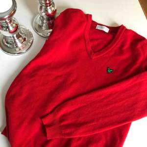 """Fin tröja från Lyle &Scott, vintage men jättefint skick! 100% ull men upplevs inte som """"sticksig"""" Köparen står för frakt😀"""