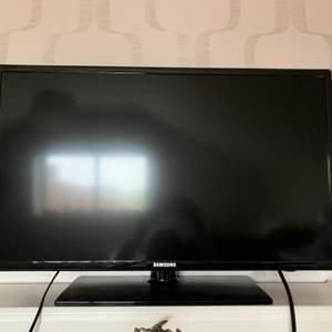 Fullt fungerande tv i nyskick utan några repor. Passar lika bra till husvagn eller sommarstuga som till vardagsrummet eller sovrummet. Pris kan diskuteras😊