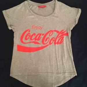 Om du är cola-beroende som jag har varit... så är det här plagget för dig👍