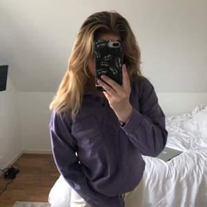 Lila tröja från monki, superskön! Pris är Exkl frakt