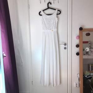 Fin klänning från Chiara Forthi, helt oanvänd!