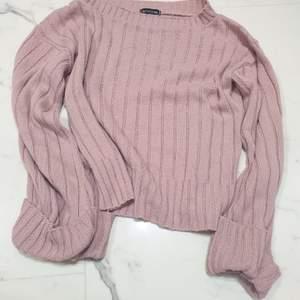 Prettylittlething tröja med vida armar storlek medium