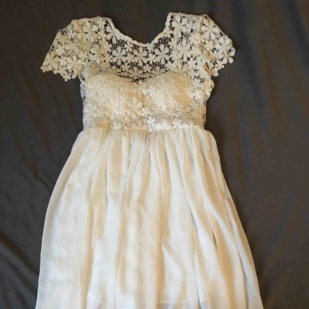 Jättefin oanvänd klänning från DN retro Frakten står man själv för. Klänningar.