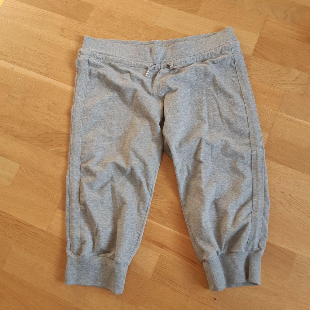 Korta träningsbyxor från nike. Jeans & Byxor.