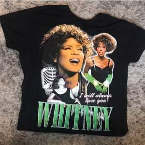 Tryck av Whitney Houston, bara testad då jag köpte utan att testa och den var för stor