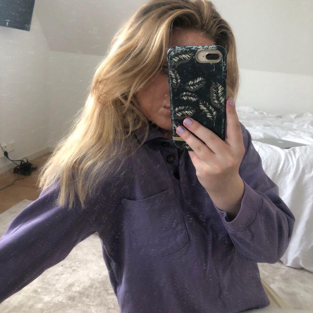 Lila tröja från monki, superskön! Pris är Exkl frakt . Stickat.