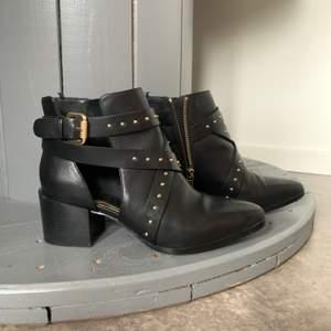 Svarta boots. Strl 37. SOM NYA!