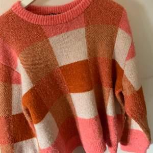 Flerfärgad stickad tröja! Oversized och superfin!🤍