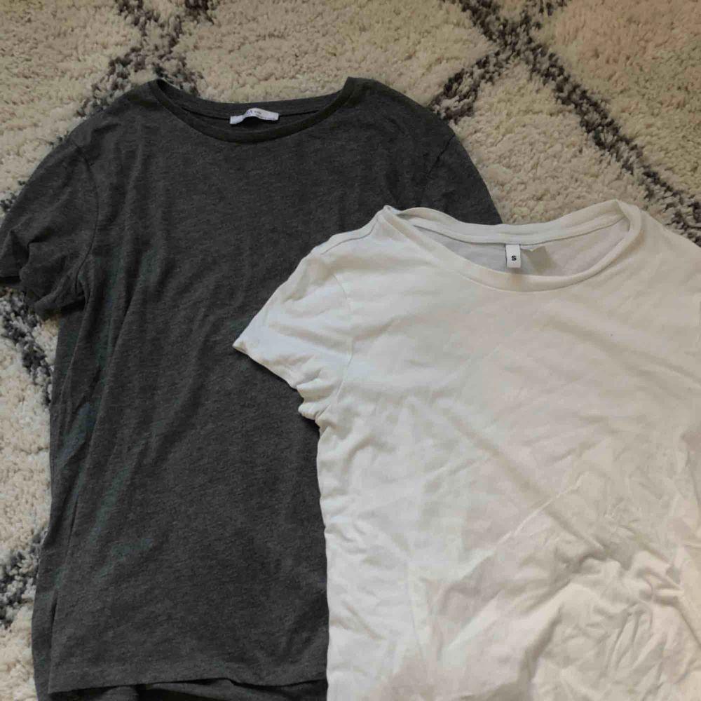 Två t-shirts i storlek S. Den grå från Zara och den vita från HM. Köp en för 60 kr eller båda för 100 kr. T-shirts.