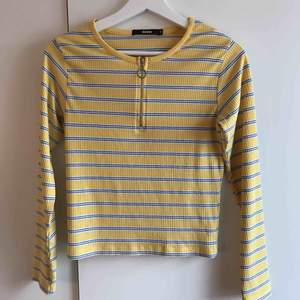 Jättefin tröja från BikBok i storlek M. Använd med i fint skick. Perfekt färg nu till våren! Köpare står för ev. frakt