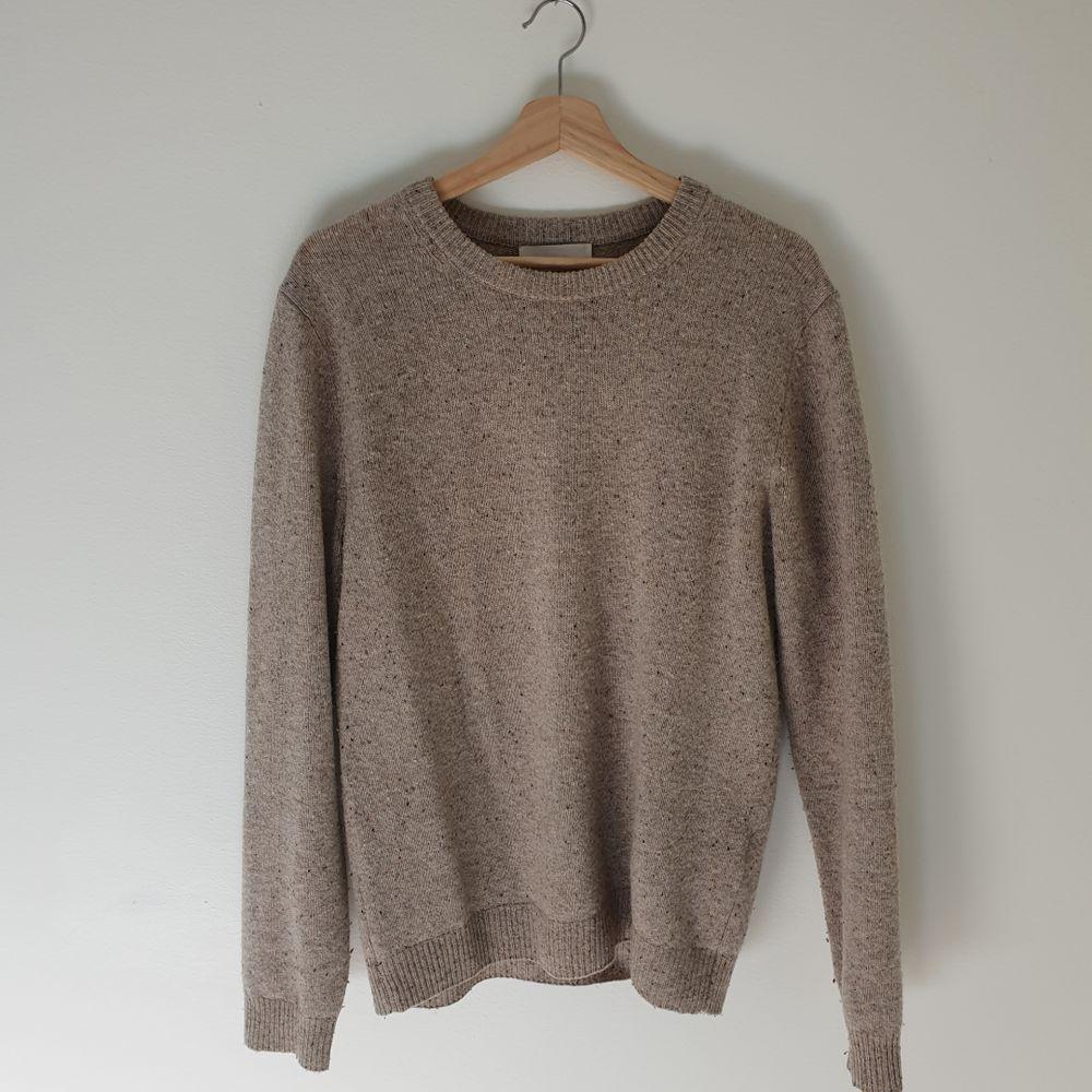 Schysst tröja stickad tröja från These Glory Days. Endast använd ett fåtal gånger, bra skick! Köparen står för frakt 😊. Stickat.