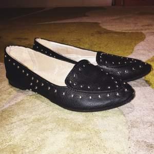 Snygga ballerina skor. Frakt 50 Swish eller mötas upp i Strängnäs.