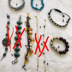 Diverse armband, använda men i bra skick.  1-3 - 20 kr/st 4 - 20 kr - SÅLD  5 - 35 kr - SÅLD 6 - 20 kr 7 - 15 kr - SÅLD  8 - 15 kr (fotlänk) - SÅLD 9 - 20 kr    Frakt baseras på antal och vikt.