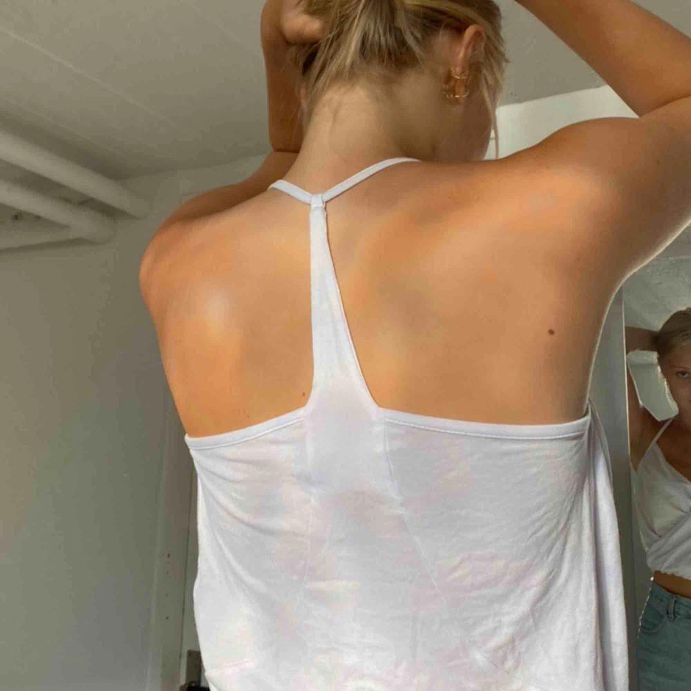 Snygg tröja från NAKD köpare står för frakt 44 kr . Toppar.