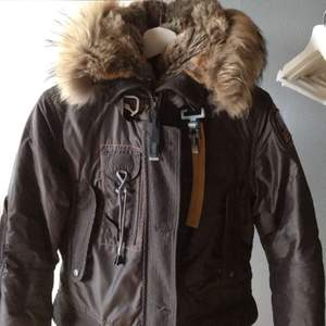Säljer denna , köpte den förra vintern för 9900. Den är i väldigt bra skick