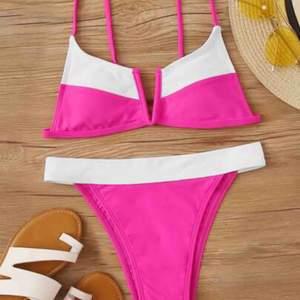 Fin bikini från shein, säljer då jag råkade köpa 2 50kr för hela eller 30krst