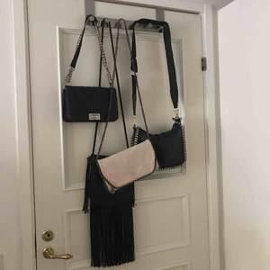 Olika  trendiga väskor  Pris varierar på vilken väska så de är bar skriva vilken du är intresserad över. Möts i Linköping / Norrköping
