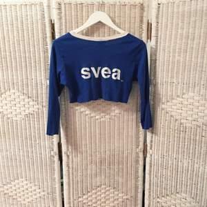 SVEEEEEEA-tröjan ni alla drömt om 💯 den är avklippt till en magtröja för er som diggar sånt, I know I do 🔥 jag föredrar swish!!  ❗️Föredrar swish ❗️  FRI FRAKT 💌