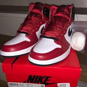 "Jordan 1 high retro ""satin snake"" storlek: 38,5"