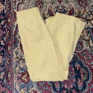 Super snygga 70-tals inspirerande byxor köparen står för eventuellt frakt