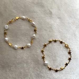 Kolla in mer på @aliceruthjewelry på Instagram⚡️          Gör dessa på beställning, även nu med hjärtan!            Stjärnorna och hjärtanen är i rostfritt stål och pärlorna är äkta Sötvattenspärlor!✨                              Går att välja i valfri längd, med eller utan justerbar kedja🤍 1 för 99kr 2 för 189kr
