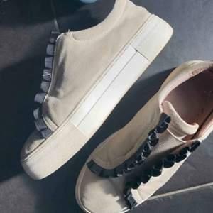 Säljer dessa skor från k.cobler. Nypris 1000. Så snygga!