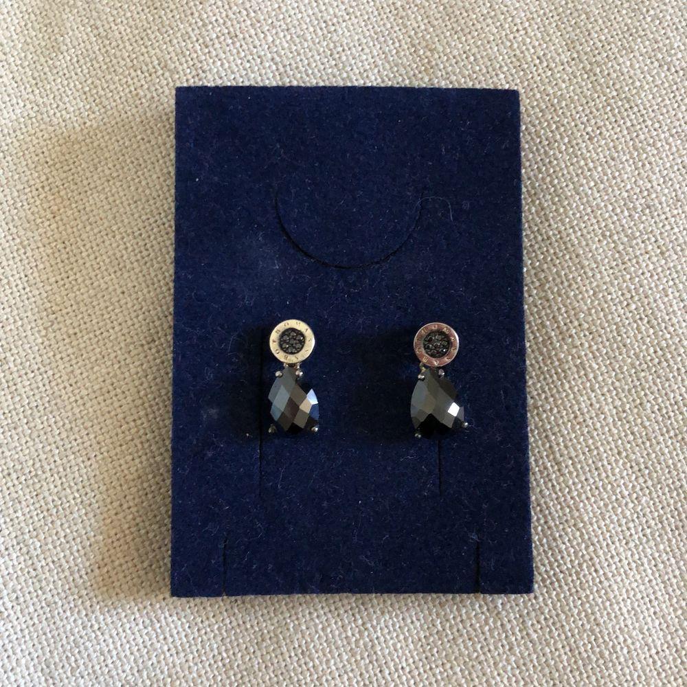 Sällan använda Thomas Sabo örhängen! 🖤 hör av er om ni har några frågor! . Accessoarer.