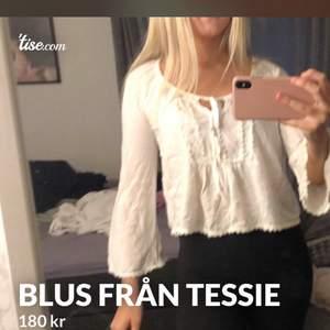 Storlek XS Köpt på Tessie. Frakten ingår i priset!😊