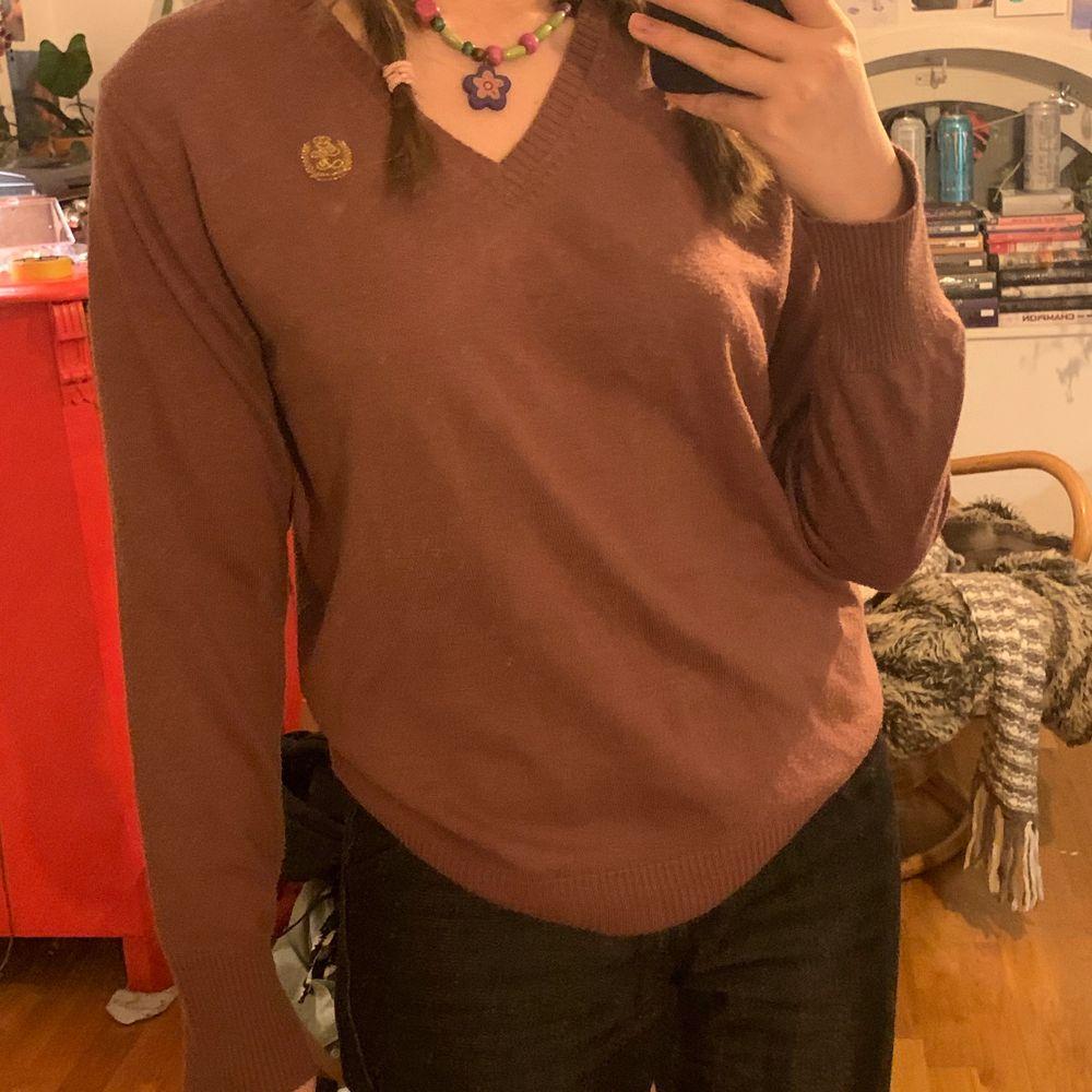 Funderar på att sälja en superfin tröja som jag inte använder så mycket! . Tröjor & Koftor.