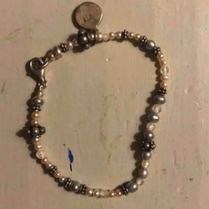 armband från snö of sweden, köpt tidigt tvåtusental <3 pris inkl frakt