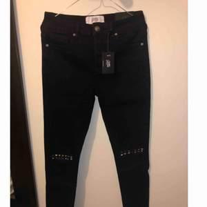 Helt nya sixth june jeans i storlek 30 Nya med lappar kvar. Nypris 730kr