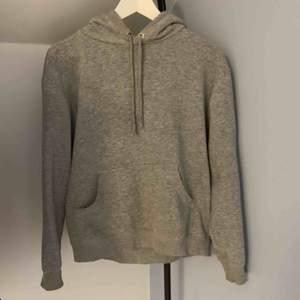 Grå hoodie från Hm