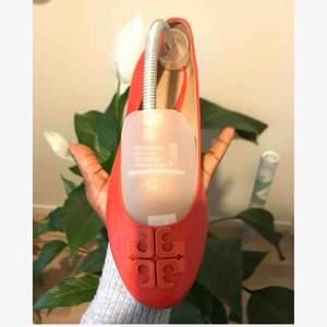 Tory Burch flats. Helt nya skor. används bara en gång.